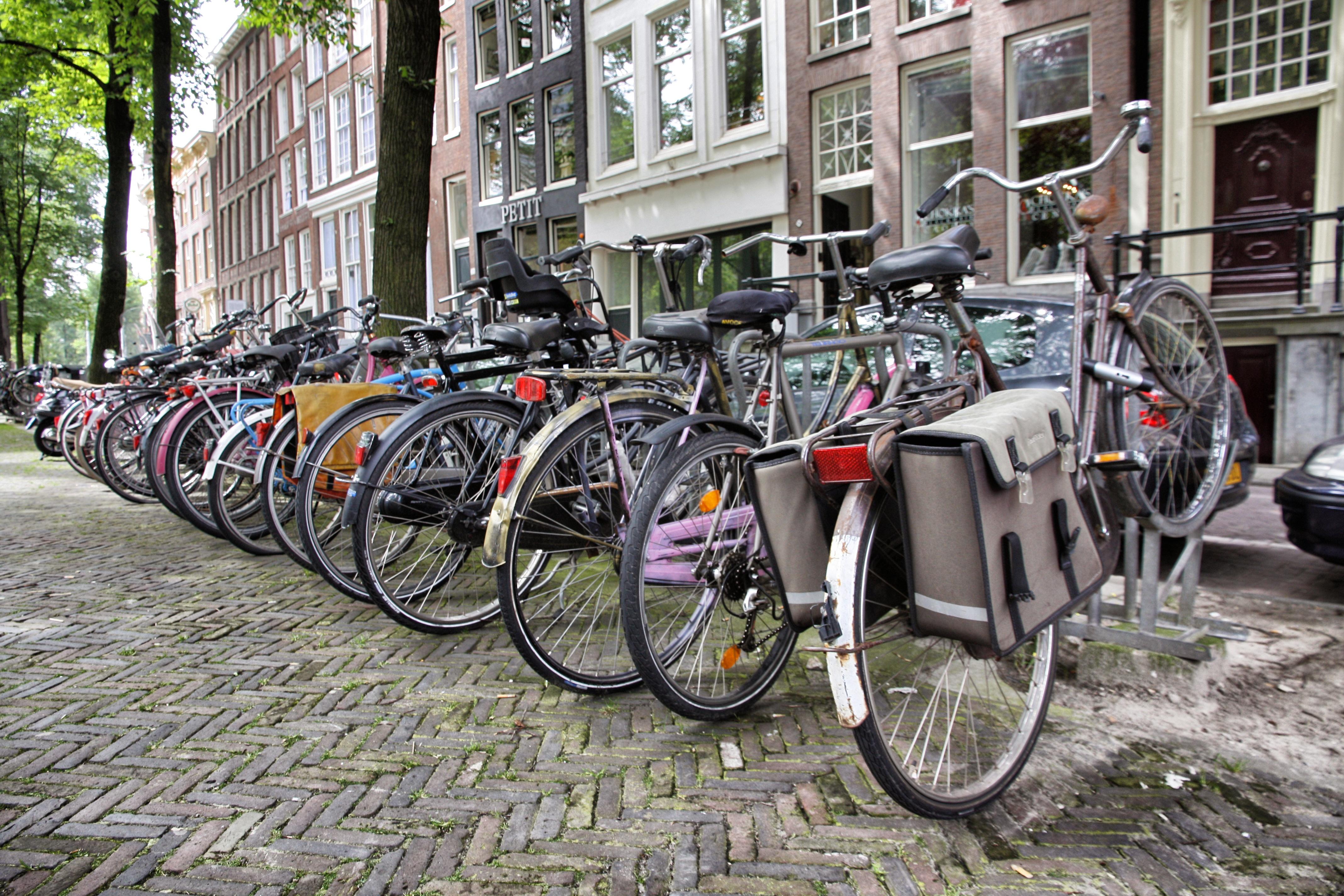 Amsterdam un itinerario in bicicletta one life in travel - Agenzie immobiliari amsterdam ...